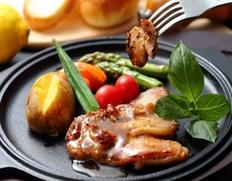 知床産チキンペッパーステーキの画像