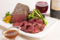 モルソー秋元さくら監修赤ワインとオニオンのソースで食べるローストビーフの画像